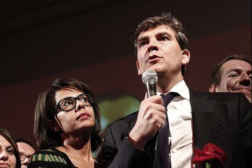 Photo prise le 9 octobre 2011, à la Bellevilloise à Paris, d'Arnaud Montebourg et Audrey Pulvar après le premier tour des primaires socialistes. La journaliste Audrey Pulvar a annoncé le 18 novembre 2012 à l'AFP la fin de sa relation avec le ministre du Redressement productif.