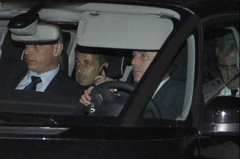 Nicolas Sarkozy a quitté le palais de justice de Bordeaux, jeudi soir, en tant que témoin assisté dans l'affaire Bettencourt.