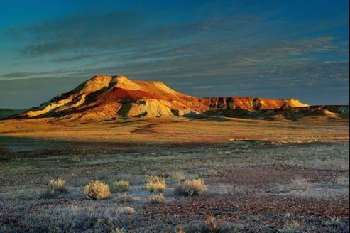 Le bien nommé Painted Desert où les mesas d'argile émergent au beau milieu des plaines desséchées de la région d'Oodnadatta.