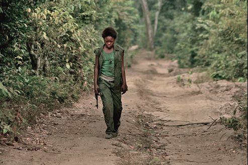 Enfant des rues de Kinshasa, Rachel Mwanza est d'une justesse inouïe pour une actrice non professionnelle.