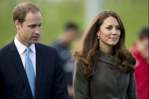 Le prince William et son épouse, Kate, lors d'une inauguration le 9 octobre à Burton Upon Trent, dans le centre du pays.