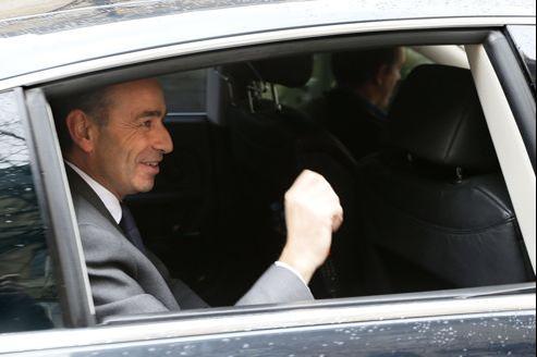 Jean-François Copé quitte l'Assemblée nationale après un premier entretien d'une heure avec François Fillon.