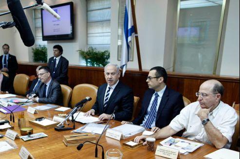 Le premier ministre israélien Benyamin Nétanyahou durant une réunion à Jérusalem au lendemain de la décision prise par l'ONU concernant la Palestine comme «État observateur».