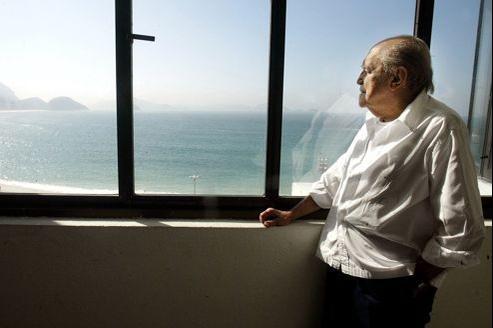 Oscar Niemeyer, ici en juin 2003.