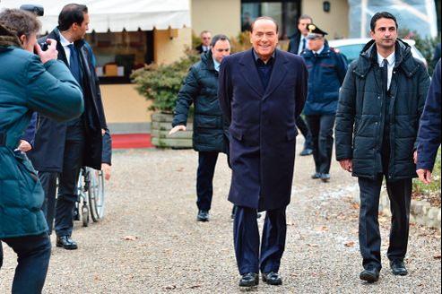 L'ancien chef du gouvernement italien, Silvio Berlusconi, a annoncé officiellement, samedi à Milanello, sa candidature aux prochaines élections législatives en Italie.