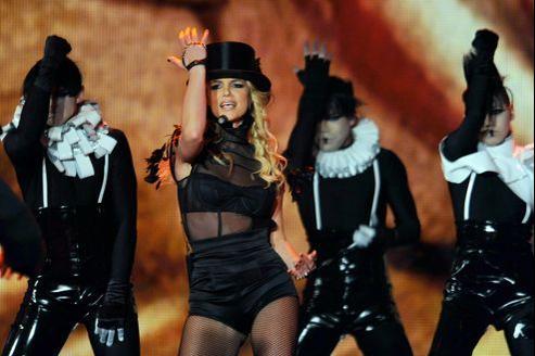 «Ce disque marque le retour de Britney d'une manière complètement inattendue sur plein d'aspects», a confié Elijah Blake.