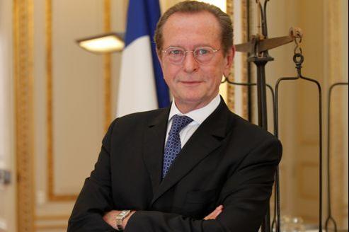 Dominique Baudis, le Défenseur des droits .