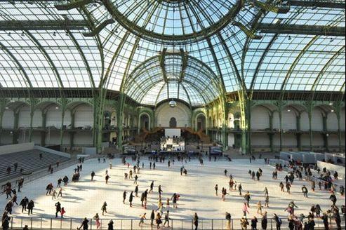La patinoire sous la nef du Grand Palais.