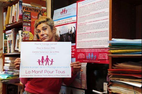 L'étude a été commandée par le collectif de la Manif pour tous, emmené par la polémiste et humoriste catholique Frigide Barjot.