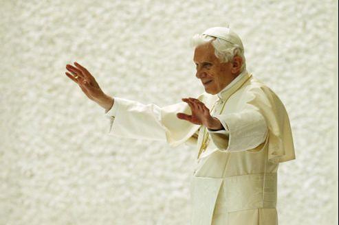 Dans le Financial Times, Benoît XVI appelle à une «collaboration fructueuse entre les chrétiens et les autres».