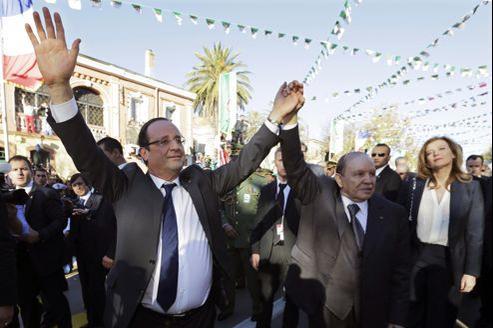 François Hollande et Abdelaziz Bouteflika, jeudi 20 décembre, à Tlemcen.