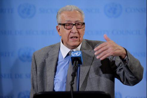 Mécontent de devoir attendre, Lakhdar Brahimi a demandé aux Russes de faire pression pour qu'Assad le reçoive rapidement.