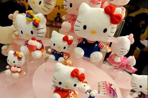 La licence du petit chat japonais Hello Kitty est détenu par de nombreux fabricants d'accessoires en France.