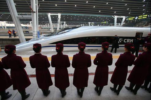 Le train à grande vitesse, ici en gare de Pékin , s'élancera ce mercredi.