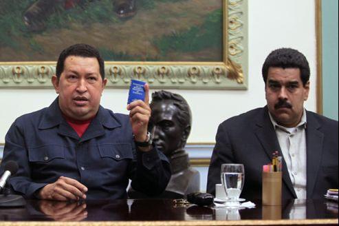 Hugo Chavez et le vice-président Nicolas Maduro, début décembre.