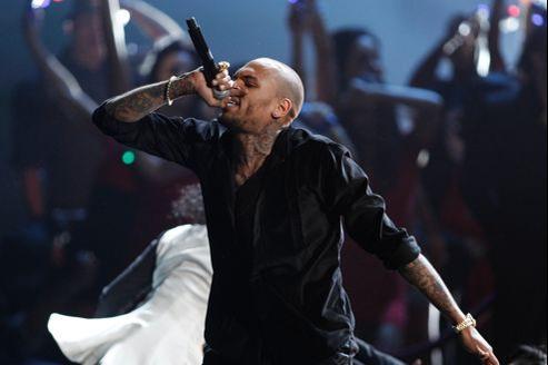 Chris Brown a donné un concert «pour la paix en Afrique» dans le grand stade de la capitale économique ivoirienne.