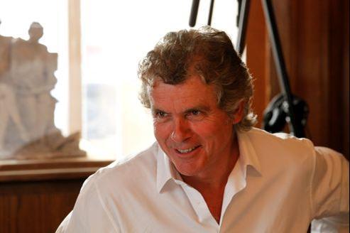 Claude Sérillon, 63 ans, a quitté le canapé rouge de l'émission dominicale de Michel Drucker en septembre dernier.