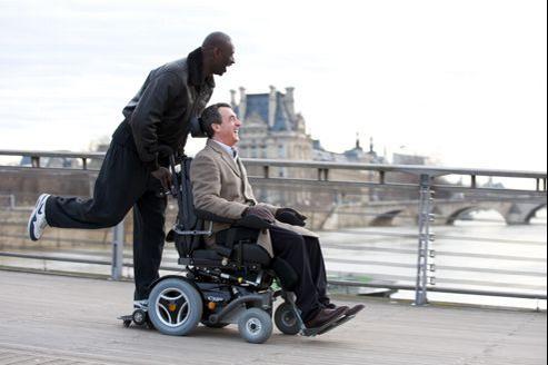 Omar Sy et François Cluzet dans Intouchables.
