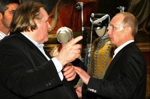 Gérard Depardieu et Vladimir Poutine, ici le 11 décembre 2010, à Saint Pertersbourg.
