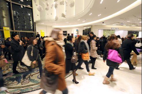 D'année en année, les Français consacrent de moins en moins d'argent à leur vestiaire.