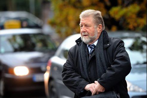 Jean-Pierre Kucheida, ancien député maire de Liévin, le 17 octobre à l'hôtel de police de Douai.