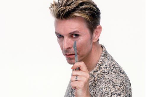 David Bowie a annoncé son retour le 8 janvier 2012, en publiant un nouveau morceau intitulé Where are we now?