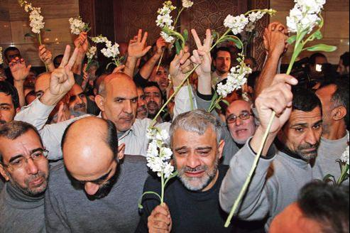 Les 48 Iraniens libérés mercredi par les rebelles syriens ont été accueillis par l'ambassadeur iranien, lors d'une cérémonie dans un grand hôtel du centre de Damas.