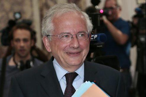 Olivier Schrameck est issu du Conseil d'État et a été directeur de cabinet du premier ministre Lionel Jospin.