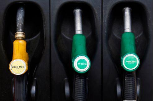 L'envolée des prix des carburants est un noueveau coup dur pour les Français