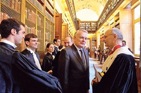 Jean-Marc Ayrault et Didier Migaud, premier président de la Cour des comptes, jeudi à Paris.