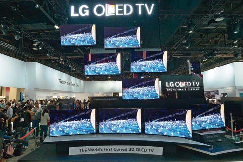 Les téléviseurs à écran incurvé offrent au spectateur un effet panoramique et d'immersion dans l'image.