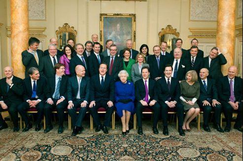Elizabeth II a assisté à son premier Conseil des ministres en décembre. Malgré les apparences, la reine n'a pas seulement un rôle cérémonial.