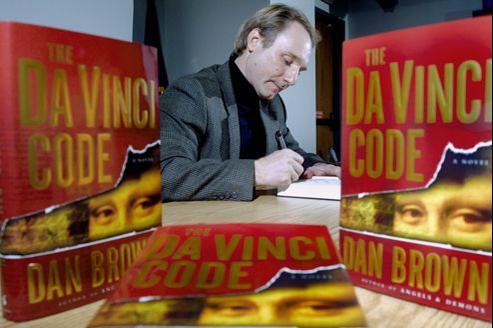 Dan Brown connaît un succès fou depuis la publication de Da Vinci Code en 2003. Le livre s'est vendu à 81 millions d'exemplaires à travers le monde.