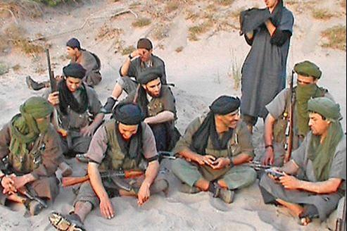 Cette photo d'un groupe de djihadistes en Algérie a été diffusée sur Internet par Aqmi en 2007.