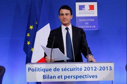 Manuel Valls, vendredi, place Beauvau à Paris, a affirmé qu'il mènerait une «politique volontariste» en matière de sécurité.