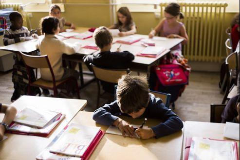 Les enseignants grévistes estiment que Paris n'a pas les moyens de mettre en œuvre une réforme de qualité.