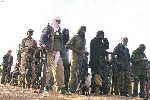 Assimilés à des islamistes, les rebelles touaregs du MNLA, qui ont conquis le nord du Mali en mars2012, cristallisent la colère de la population malienne.