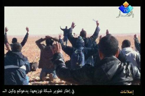 Photo des otages, prise avec un téléphone portable.