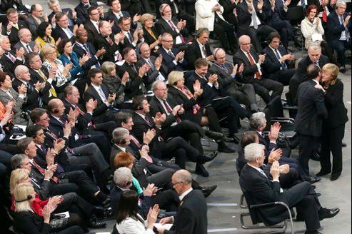 En présence d'Angela Merkel et de François Hollande, quelque 400 élus de la République ont participé, aux côtés des députés allemands, à une séance parlementaire au Bundestag à la portée symbolique exceptionnelle.