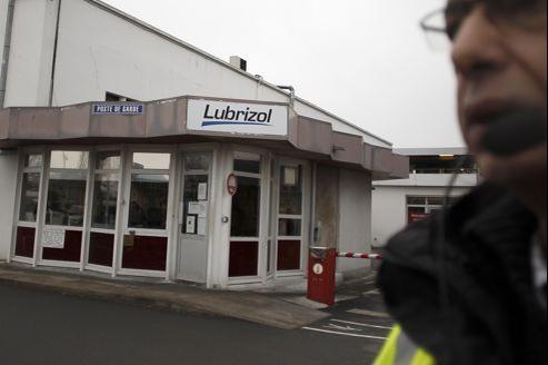 La société, baptisée Lubrizol, est la principale filiale étrangère du groupe Lubrizol Corporation, avec deux sites de production implantés en Haute-Normandie, ainsi qu'une troisième près de Pau à Mourenx.