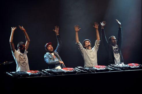 Le groupe C2C a remporté quatre fois de suite le championnat du monde DMC (Disco Mix Club).