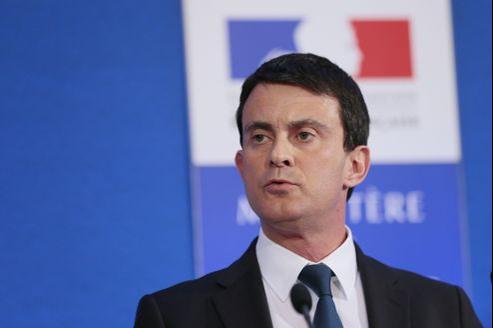 Selon nos informations, le rythme d'expulsions sous Valls est de 2750 clandestins par mois, contre 3500 lors des quatre premiers mois de 2012.
