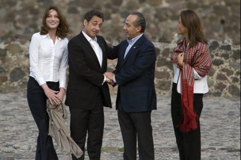 En mars 2009, le président mexicain Felipe Calderon et son épouse reçoivent Nicolas Sarkozy et Carla Bruni au Mexique (ici sur le site pré-hispanique de Teotihuacan).