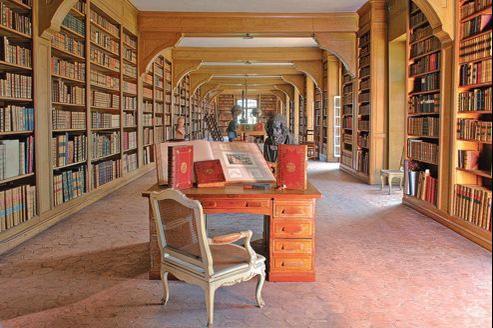 La bibliothèque des Ducs de Luynes, au château de Dampierre.