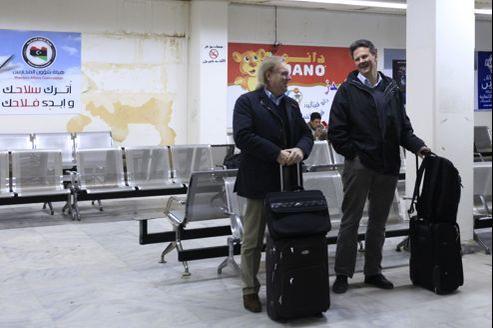 Aéroport de Benghazi, jeudi. L'Allemagne, le Royaume-Uni, les Pays-Bas et l'Australie ont conseillé dès jeudi à leurs ressortissants de quitter la région.