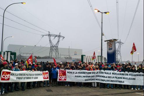 Manifestation, jeudi 24 janvier, des employés de la centrale de Fessenheim contre sa fermeture annoncée par le gouvernement.
