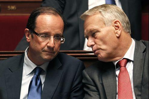 François Hollande et Jean-Marc Ayrault sur les bancs de l'Assemblée nationale le 13 juillet 2011.