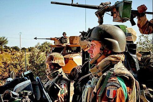 Un groupe de légionnaires français sur le front au Mali.