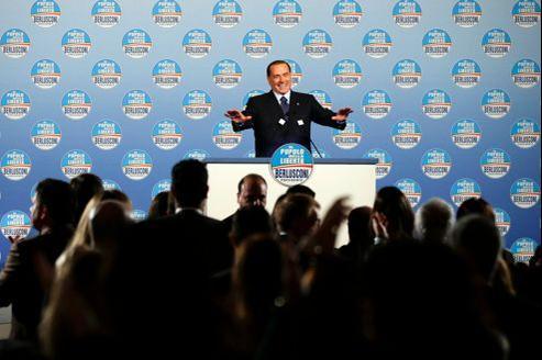 Silvio Berlusconi, lors d'un meeting électoral vendredi à Rome, pour les élections législatives des 24 et 25février.