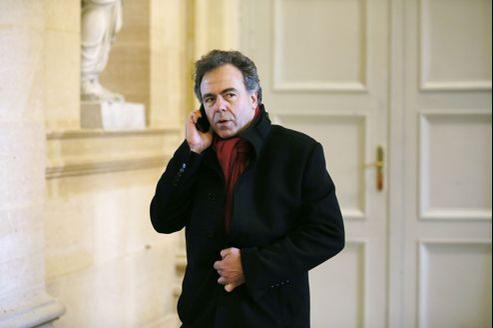 «Je défends l'idée d'un spoils system à la française pour une centaine de postes de hauts fonctionnaires», explique Luc Chatel.